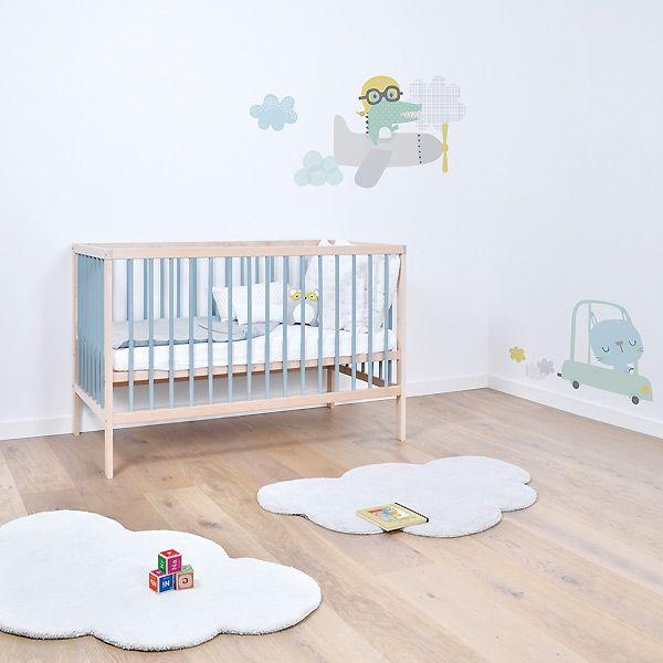 des nuages et des gouttes pour une chambre de bebe. Black Bedroom Furniture Sets. Home Design Ideas
