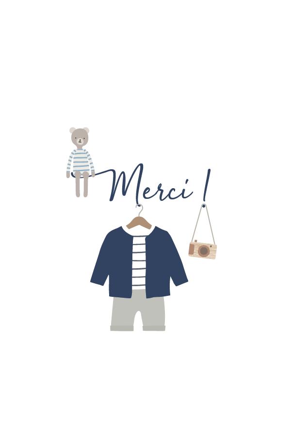 carte de remerciement avec tenue de bébé